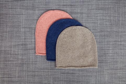 Roll-edge cap