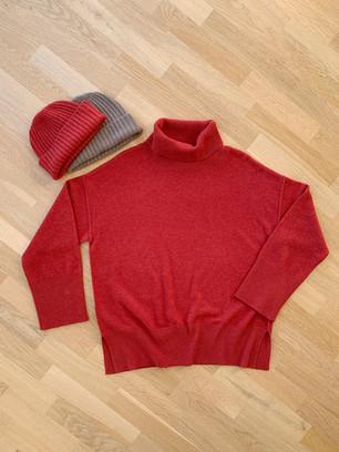 Big turtleneck pullover