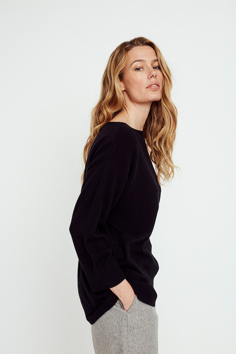 Long wide pullover