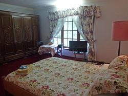 Queen Bedroom with Ensuite.jpg