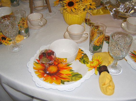 Yellow Sunflower Table