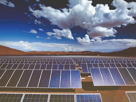 ABB en Chile y Suncast firman acuerdo para integración de IA a proyectos de energías renovables