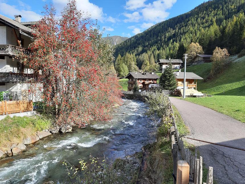 370_Wanderung im Ultental.jpg