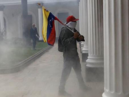 El poder venezolano en crisis y el orden destruido