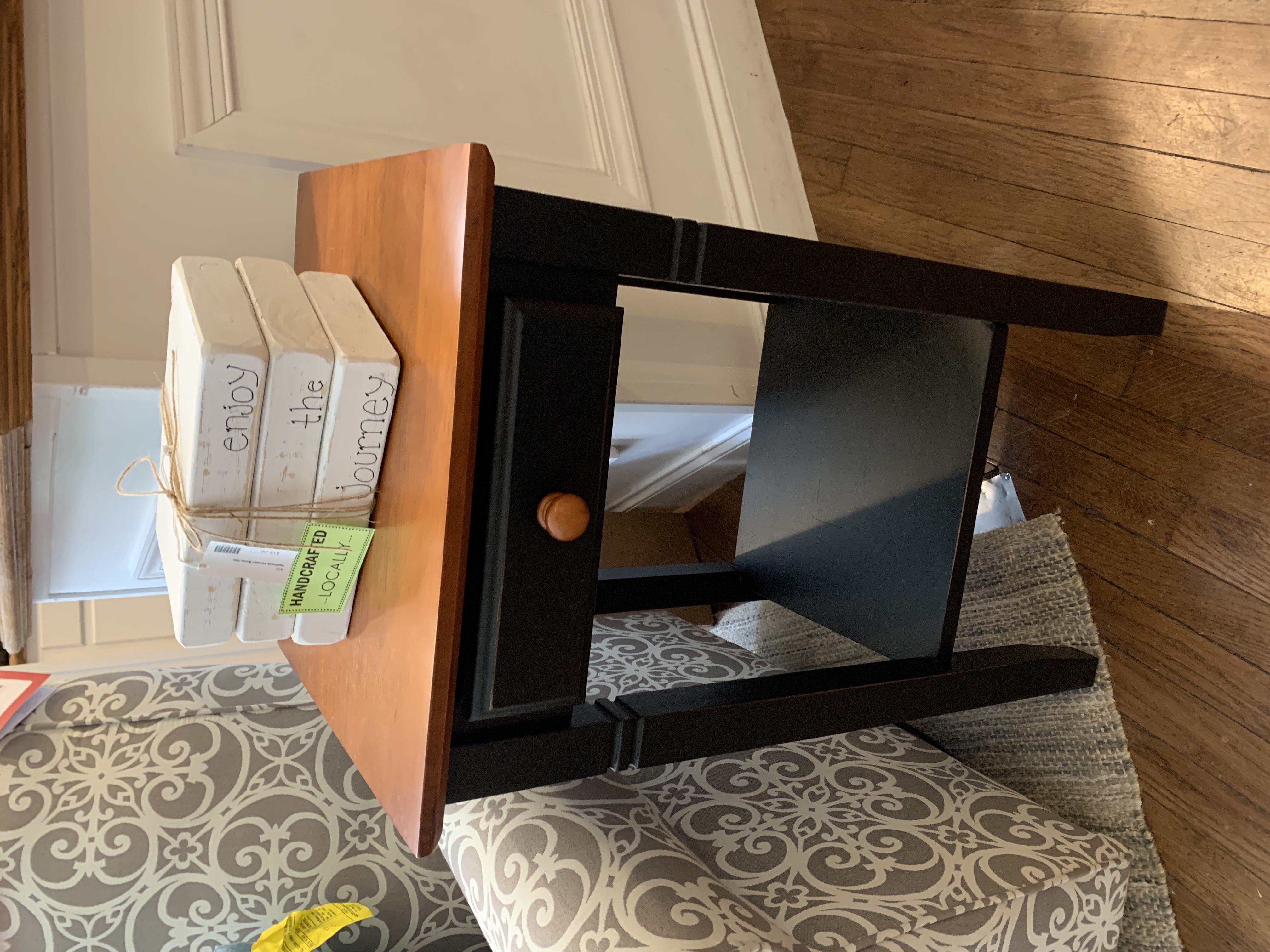 BLACK BASE 1 DRAWER ACCENT TABLE