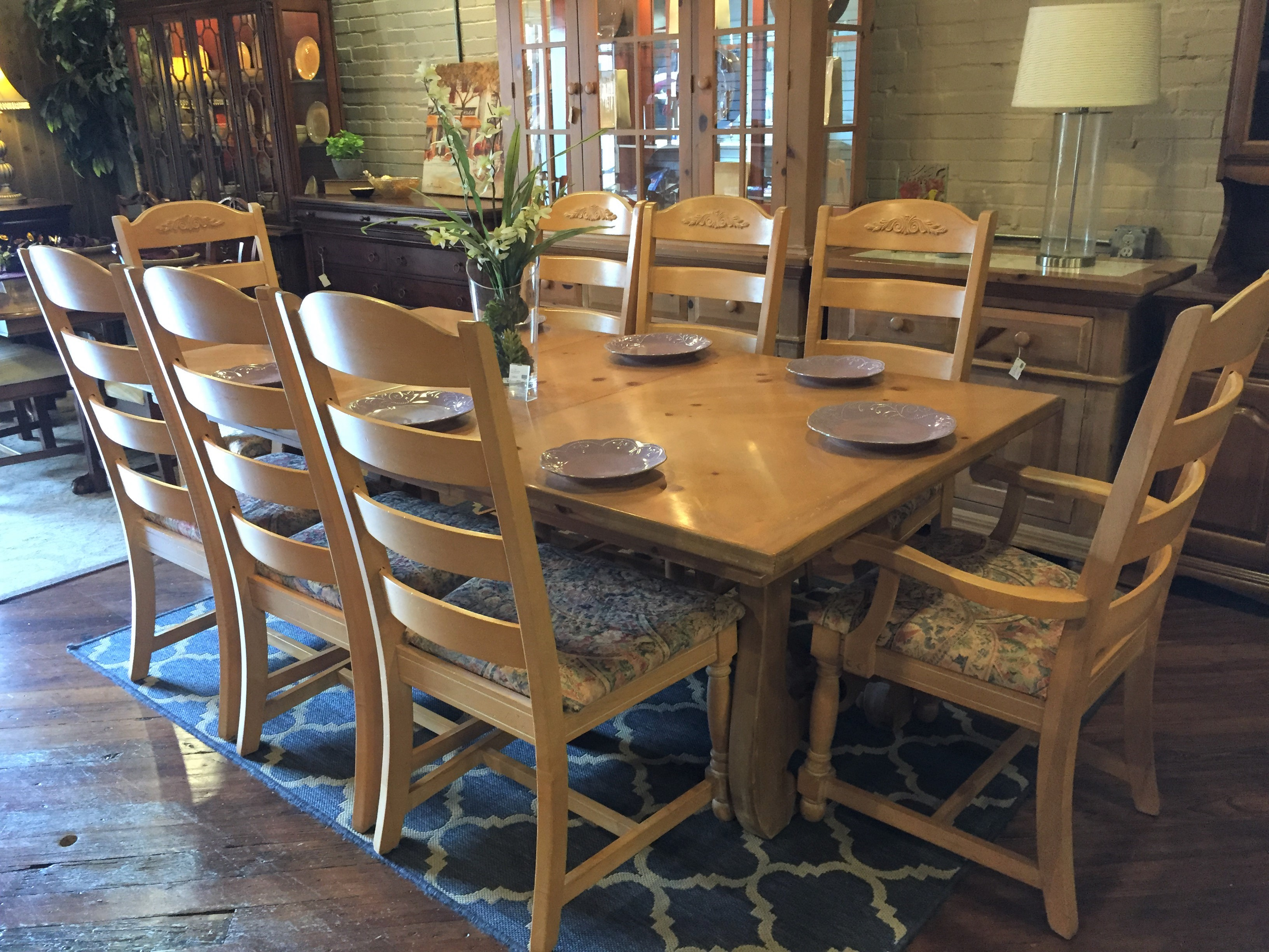 LIGHT PINE DINING TABLE & 8 CHAIRS