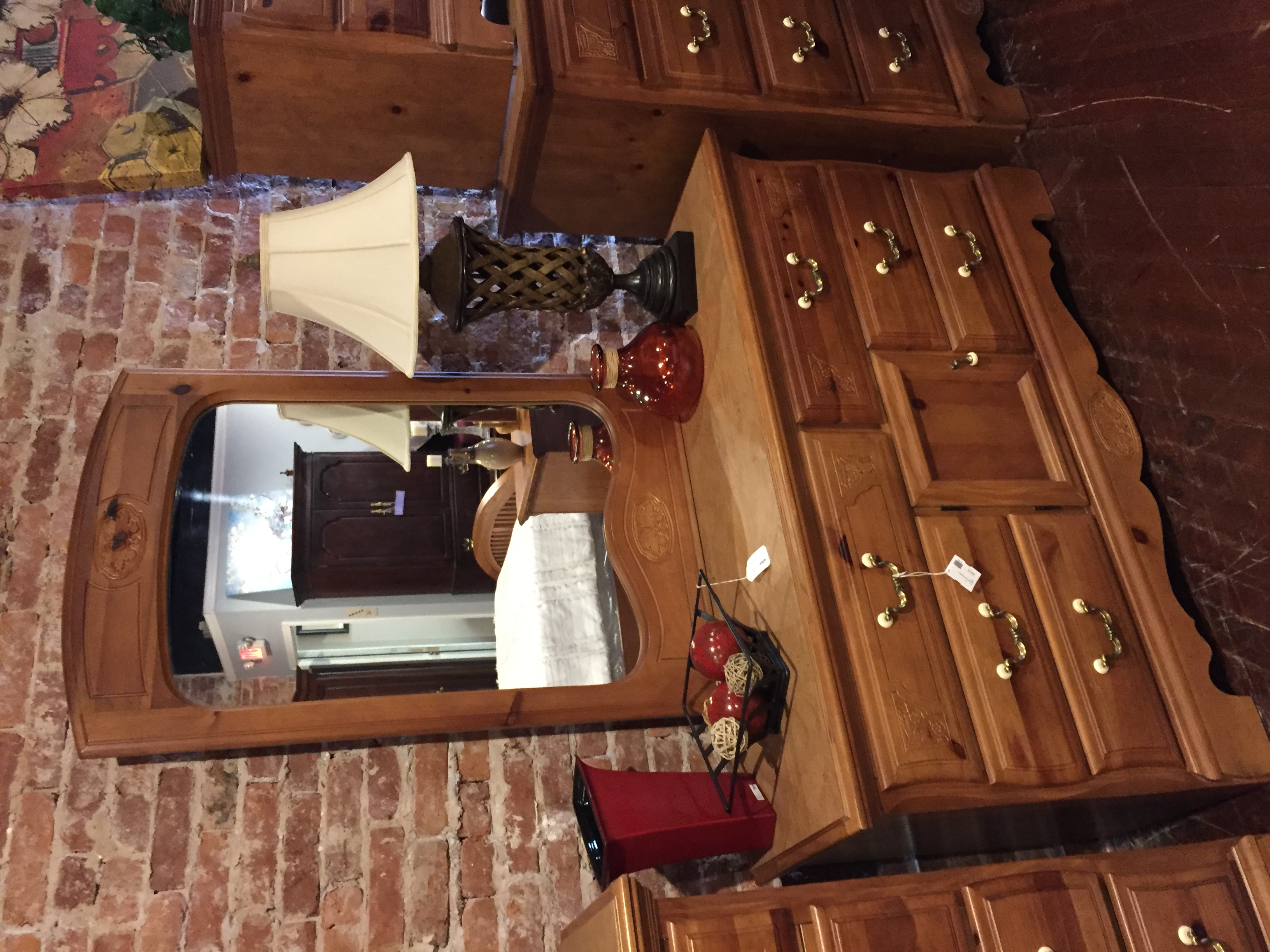 PINE FINISH DRESSER W/MIRROR