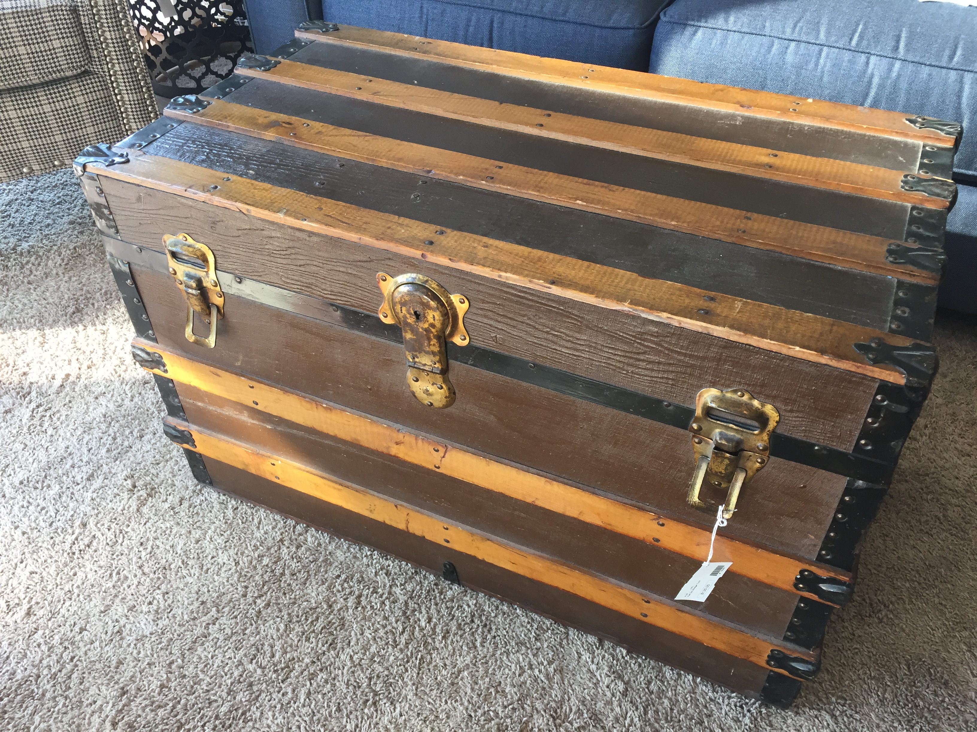 FLAT TOP STORAGE TRUNK