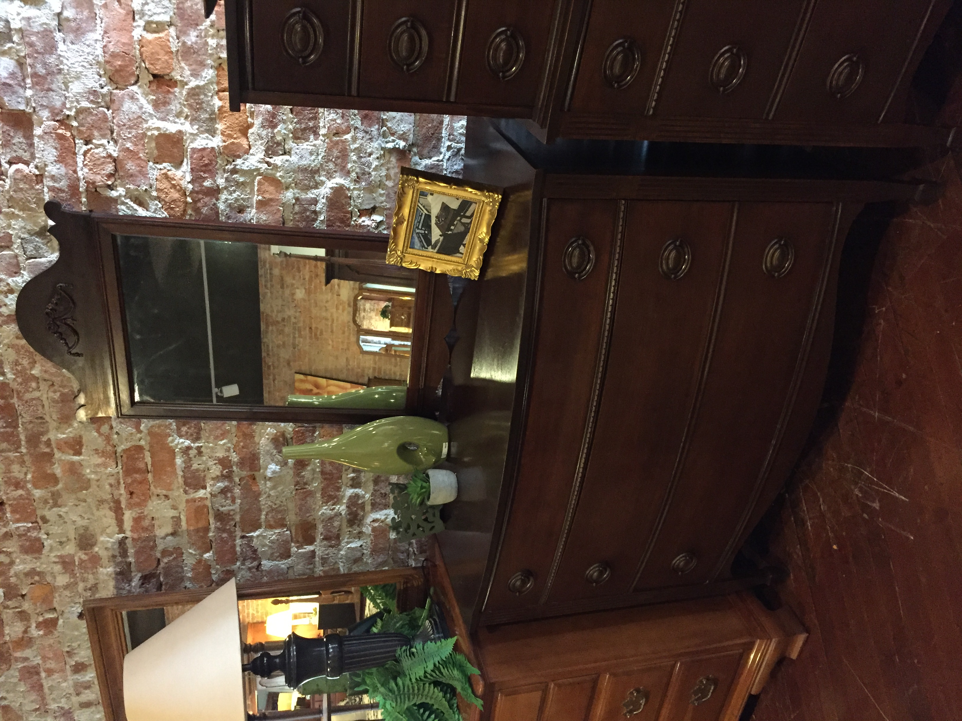 MAHOGANY FINISH DRESSER WITH MIRROR