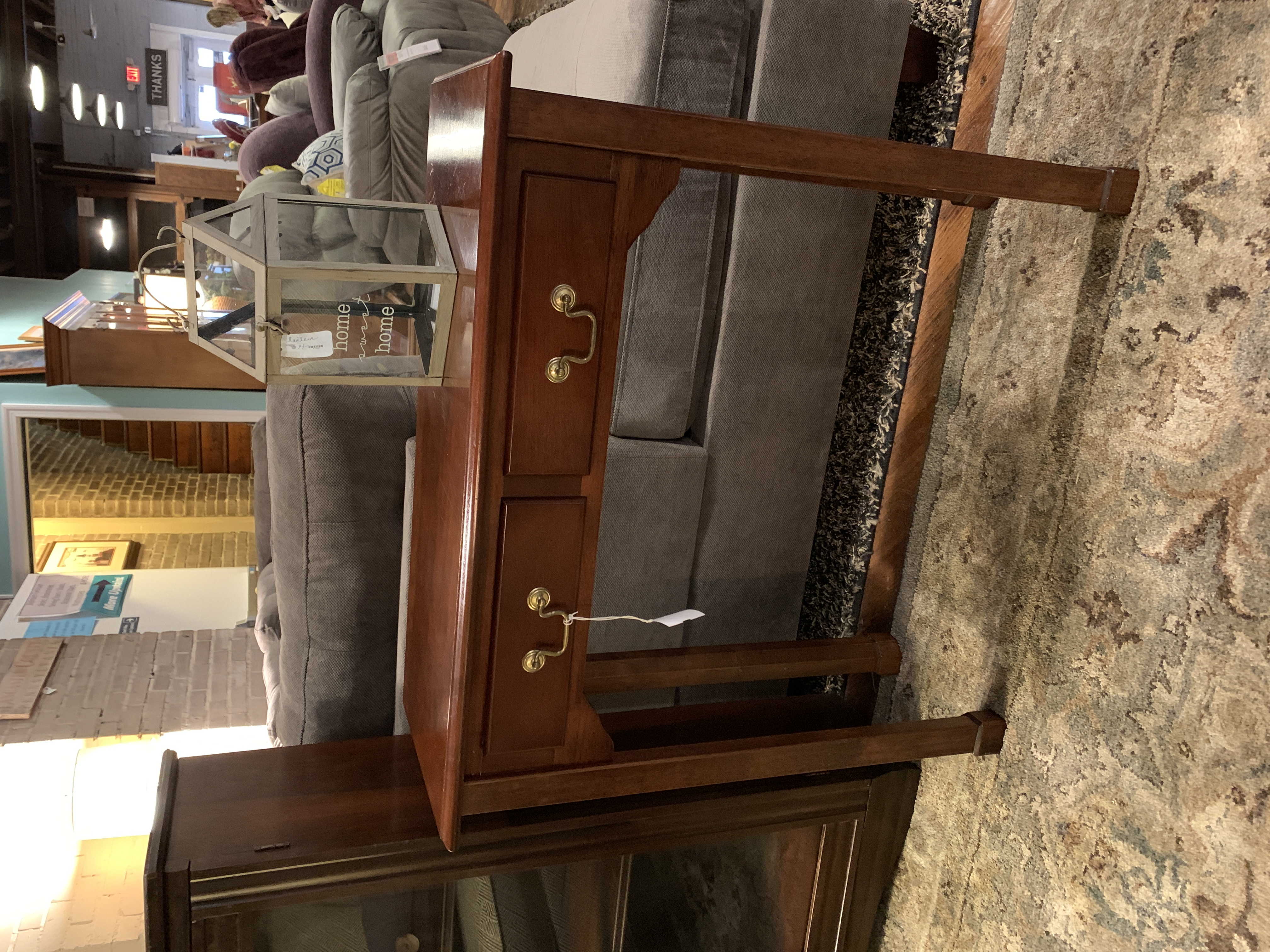 SMALL SQUARE LEG CHERRY FINISH ACCENT TABLE