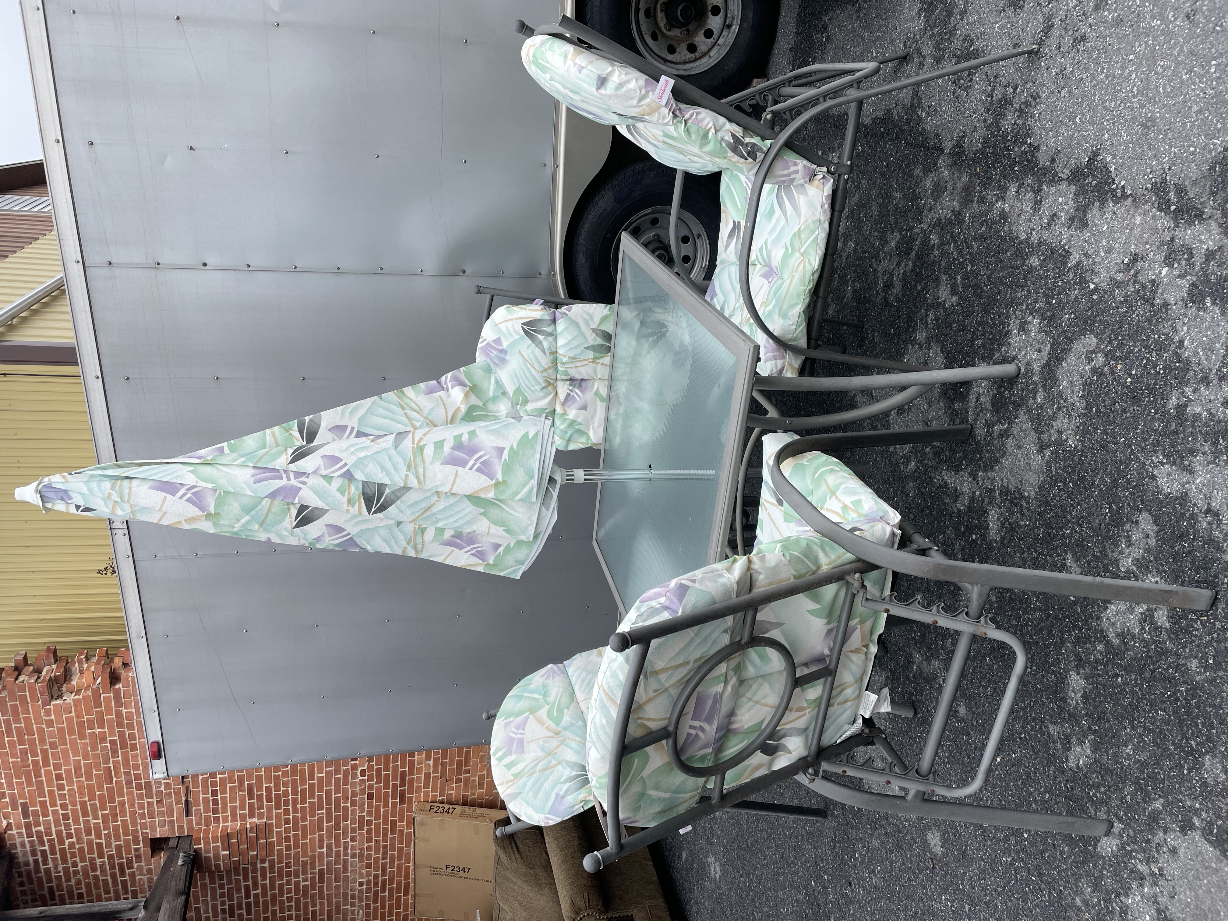 GRAY PATIO TABLE & 4 CHAIRS WITH UMBRELLA
