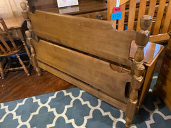 STERLING HOUSE MAPLE FULL BED WITH RAILS
