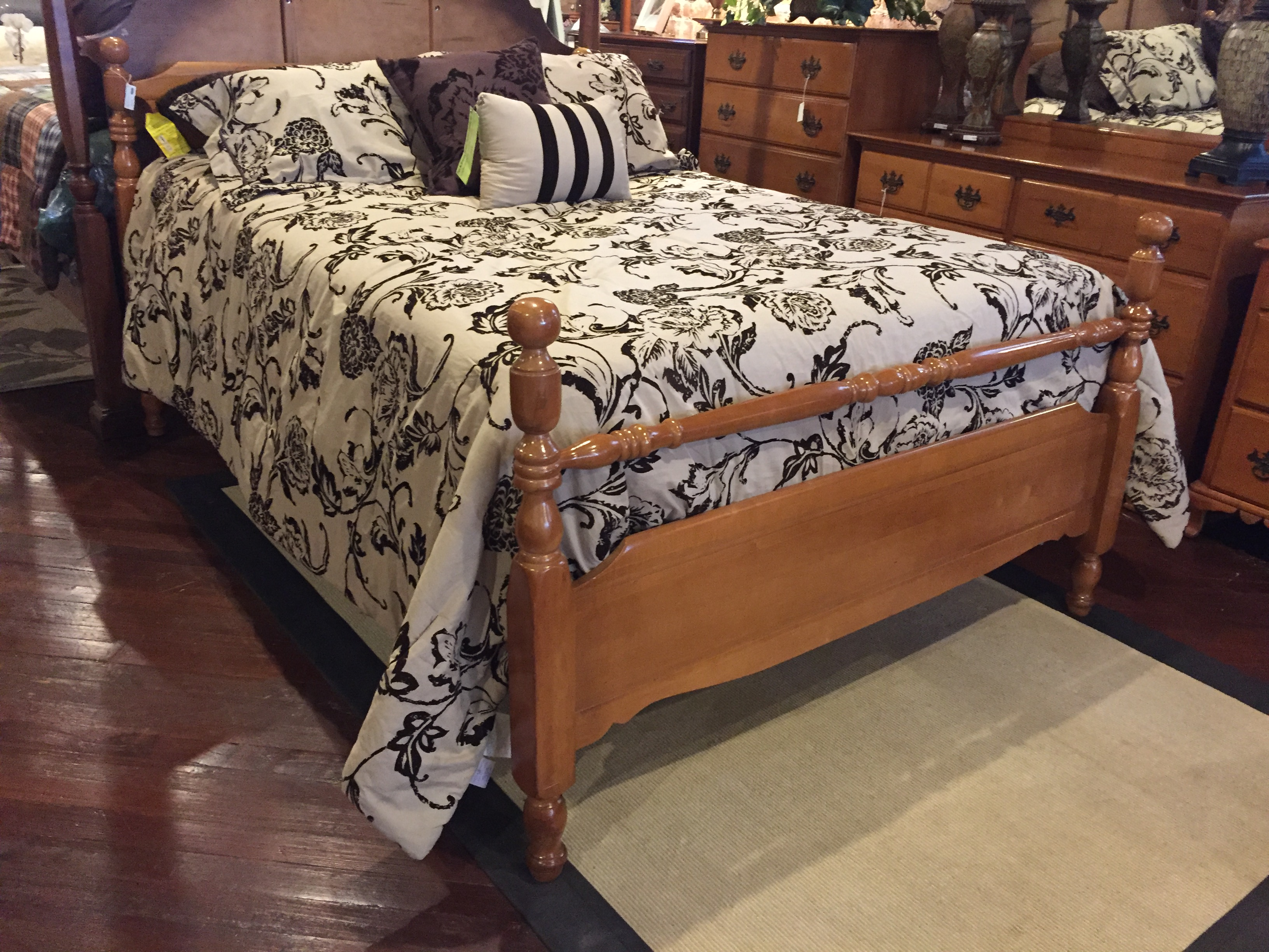 HONEY MAPLE FULL BED WITH RAILS