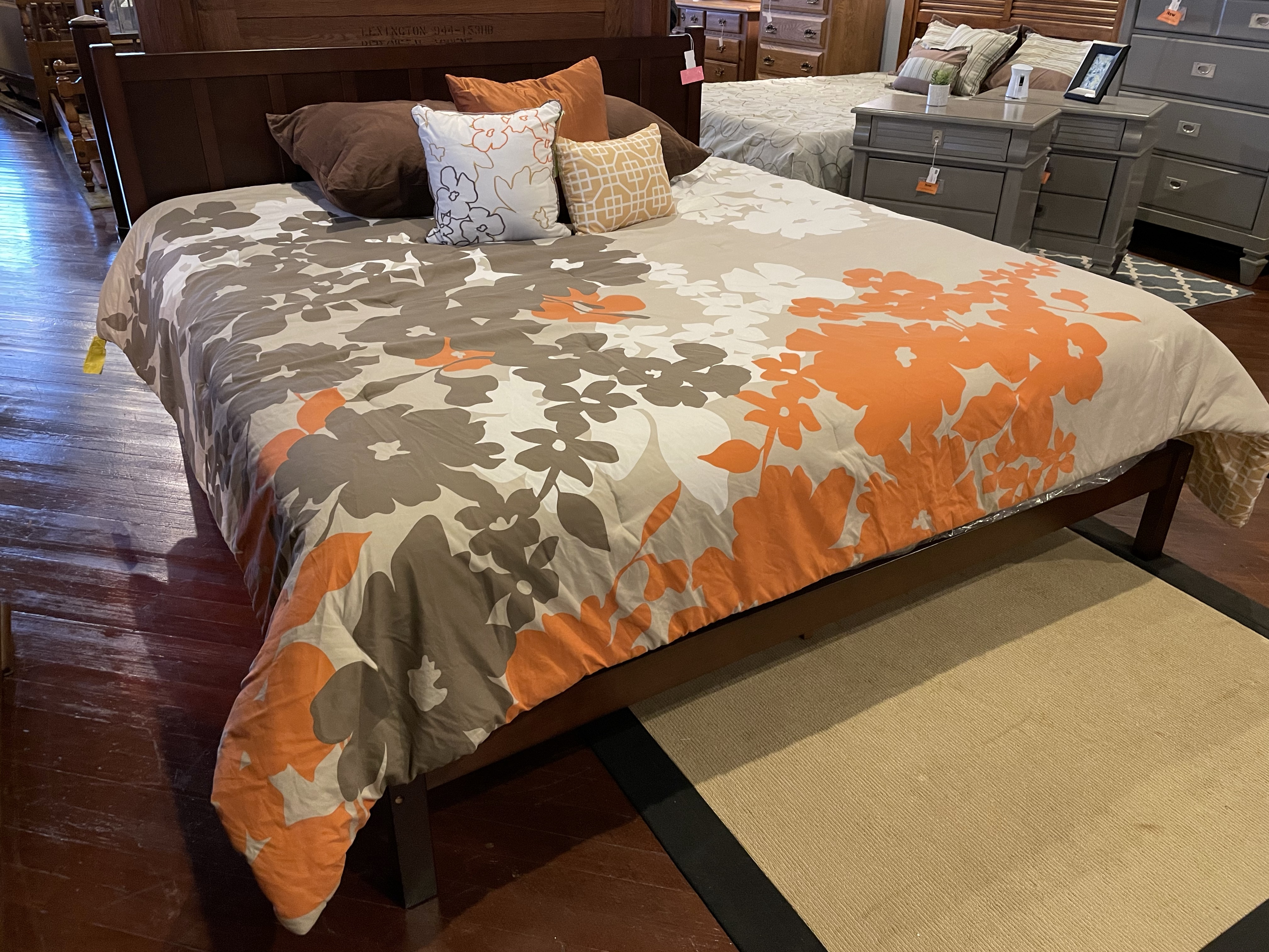CHERRY FINISH KING PANEL BED