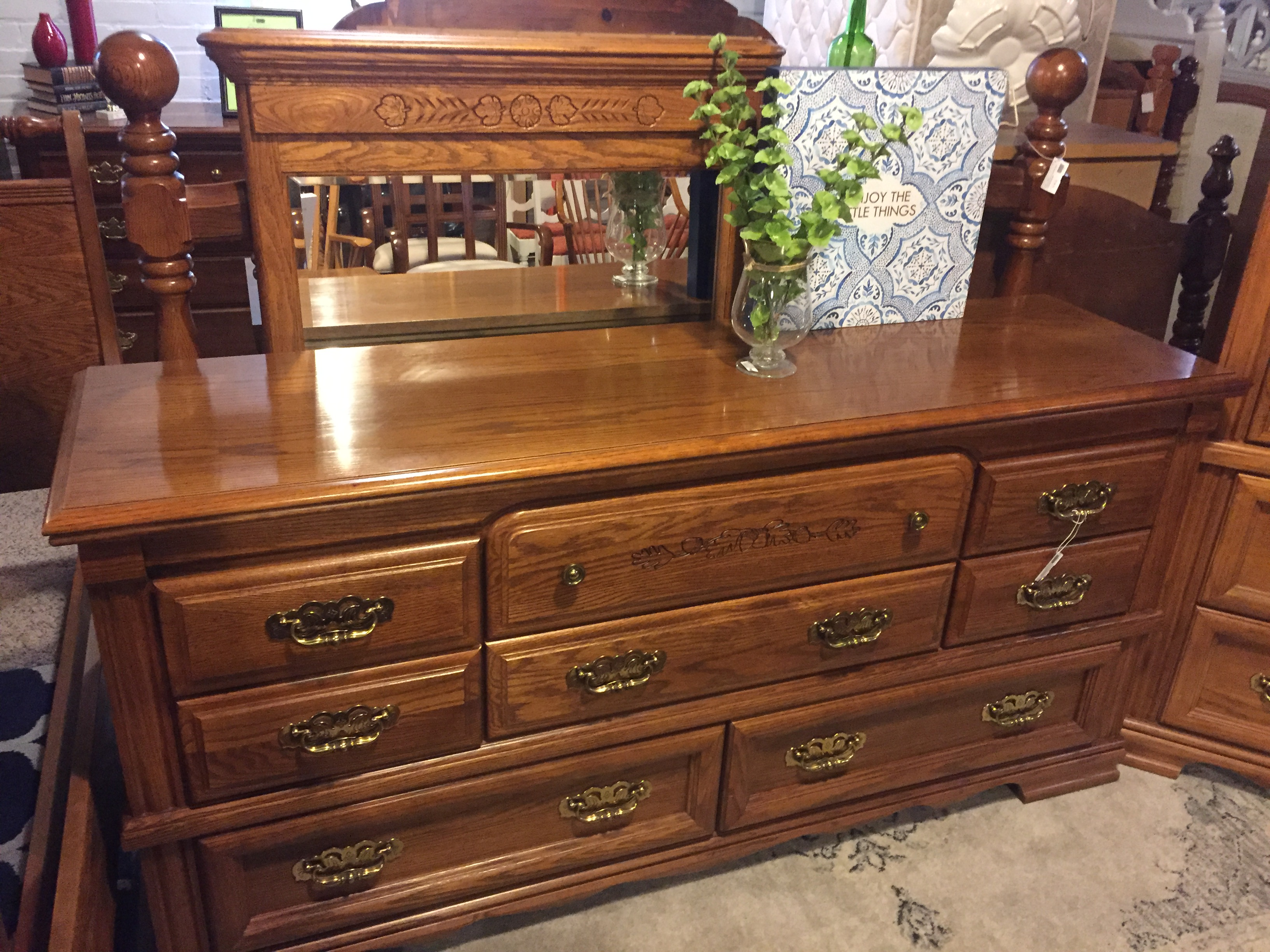BROYHILL OAK DRESSER WITH MIRROR