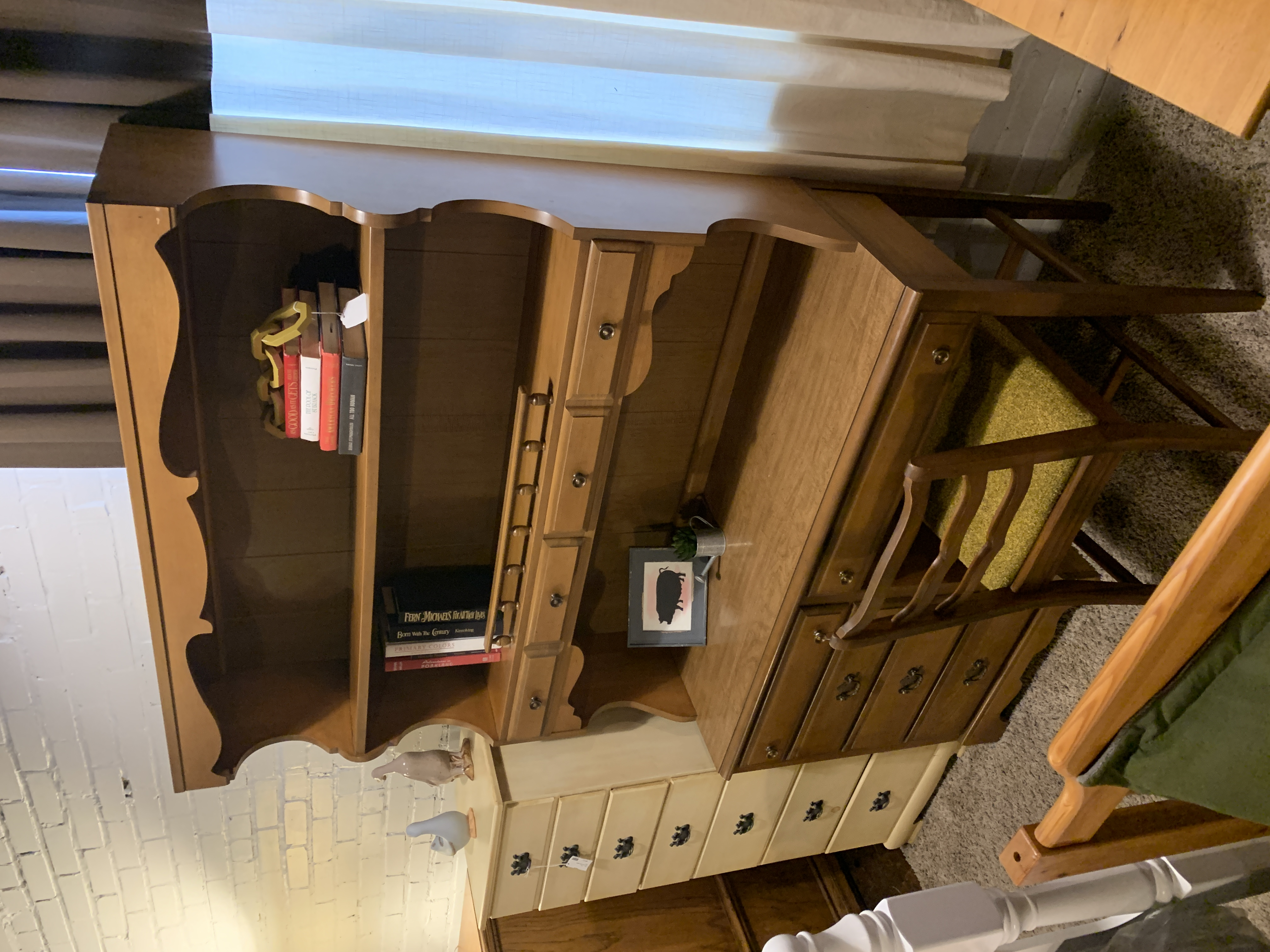 MAPLE DESK WITH HUTCH & CHAIR