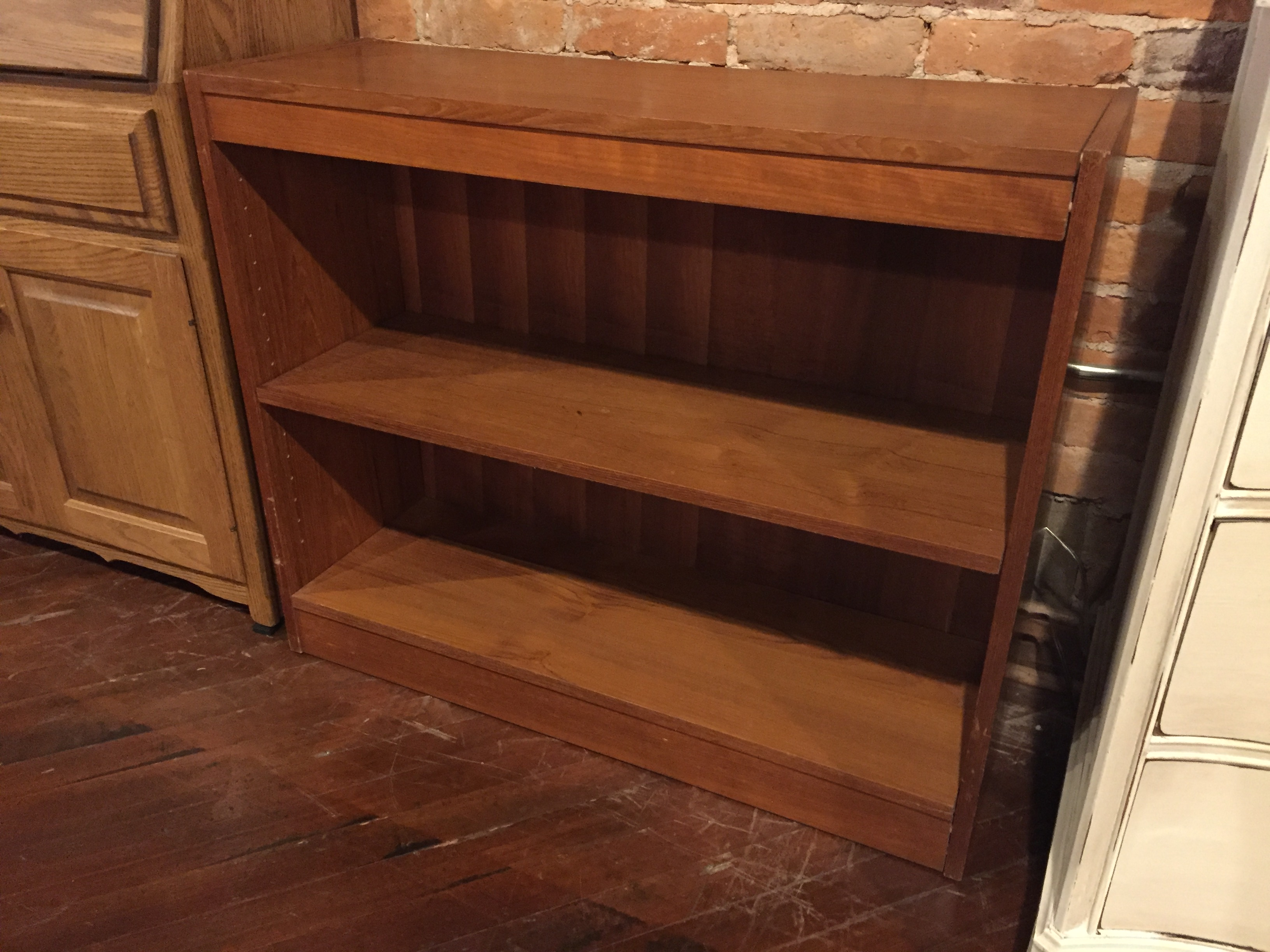 SMALL TEAK FINISH BOOKSHELF