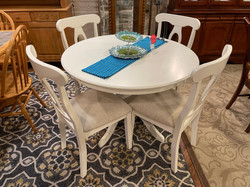 ROUND WHITE TABLE & 4 CHAIRS