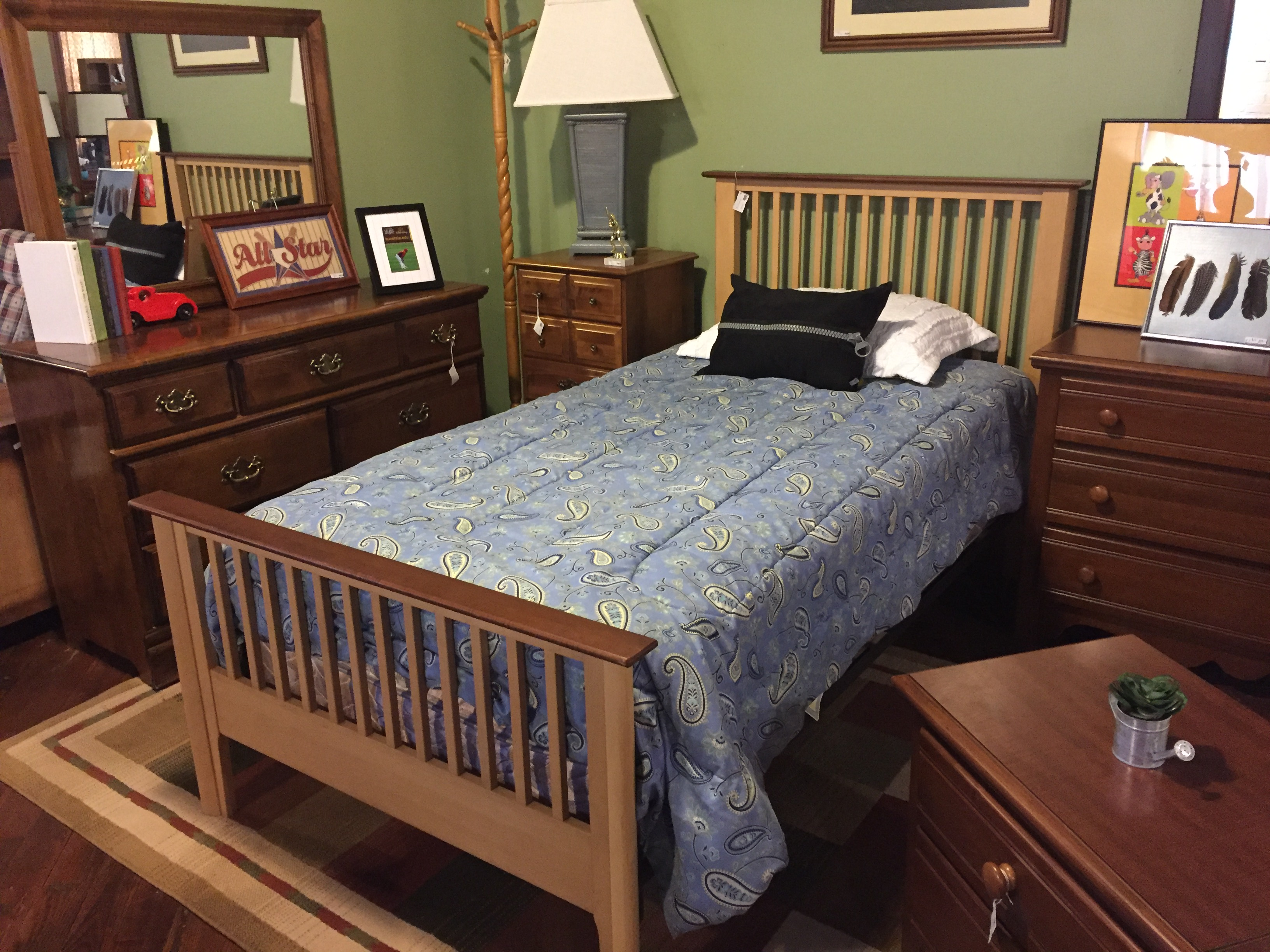 TAN & WOOD TWIN BED