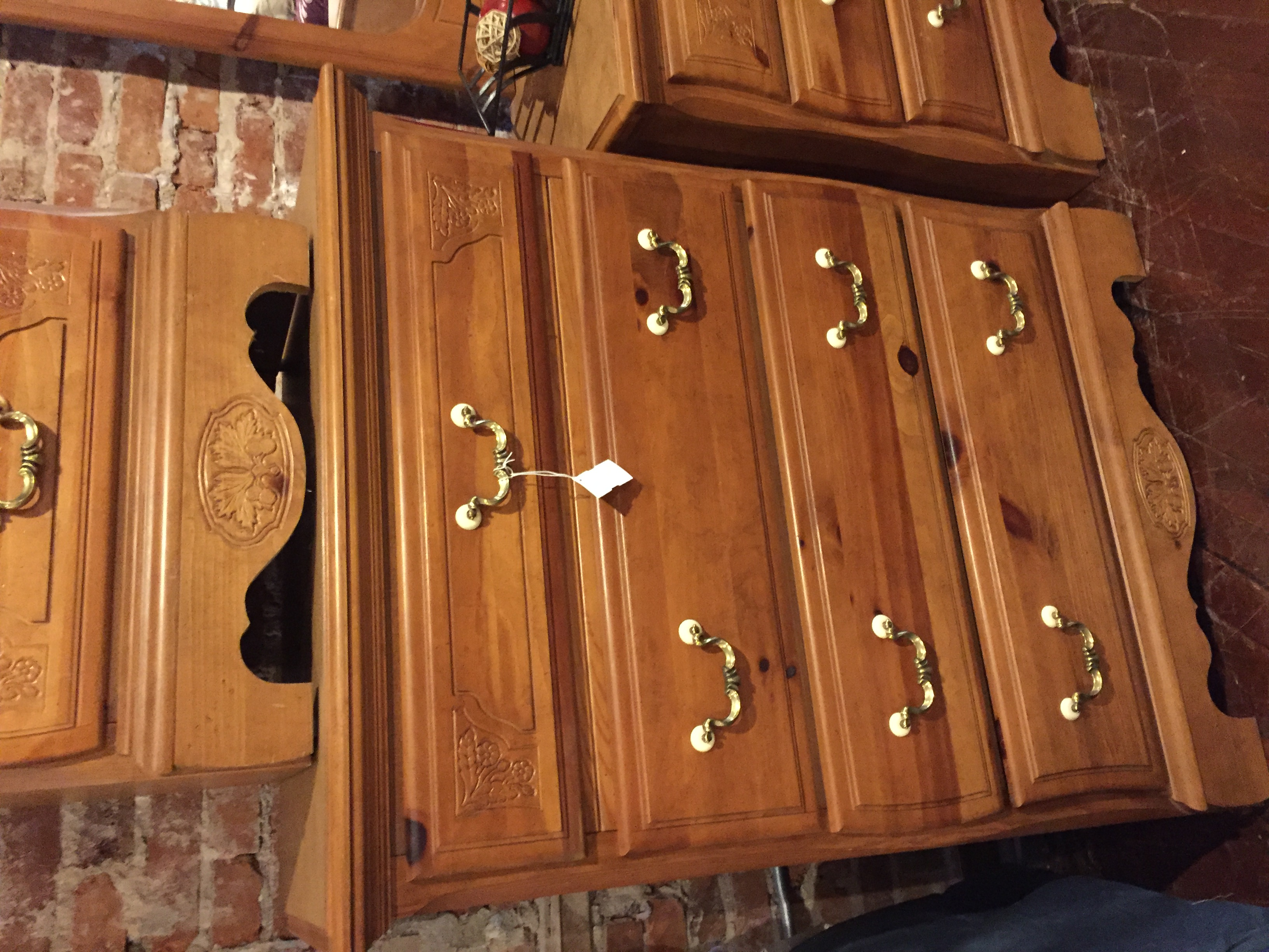 PINE FINISH CHEST OF DRAWERS