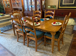 OAK RECTANGLE DINING TABLE & 6 CHAIRS