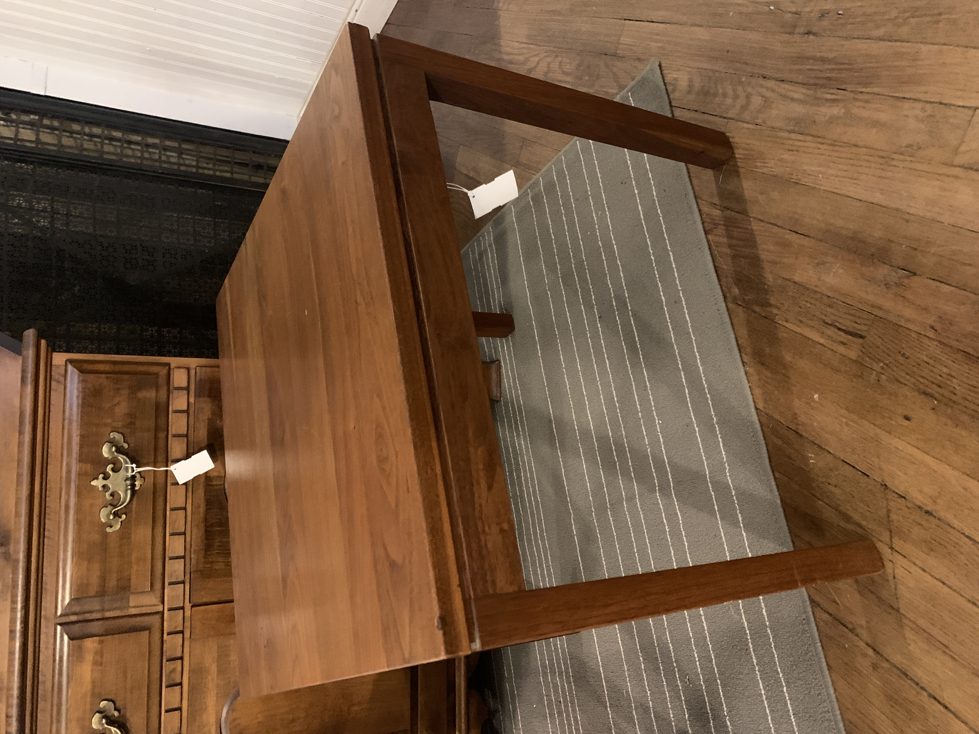 WALNUT FINISH RECTANGLE END TABLE