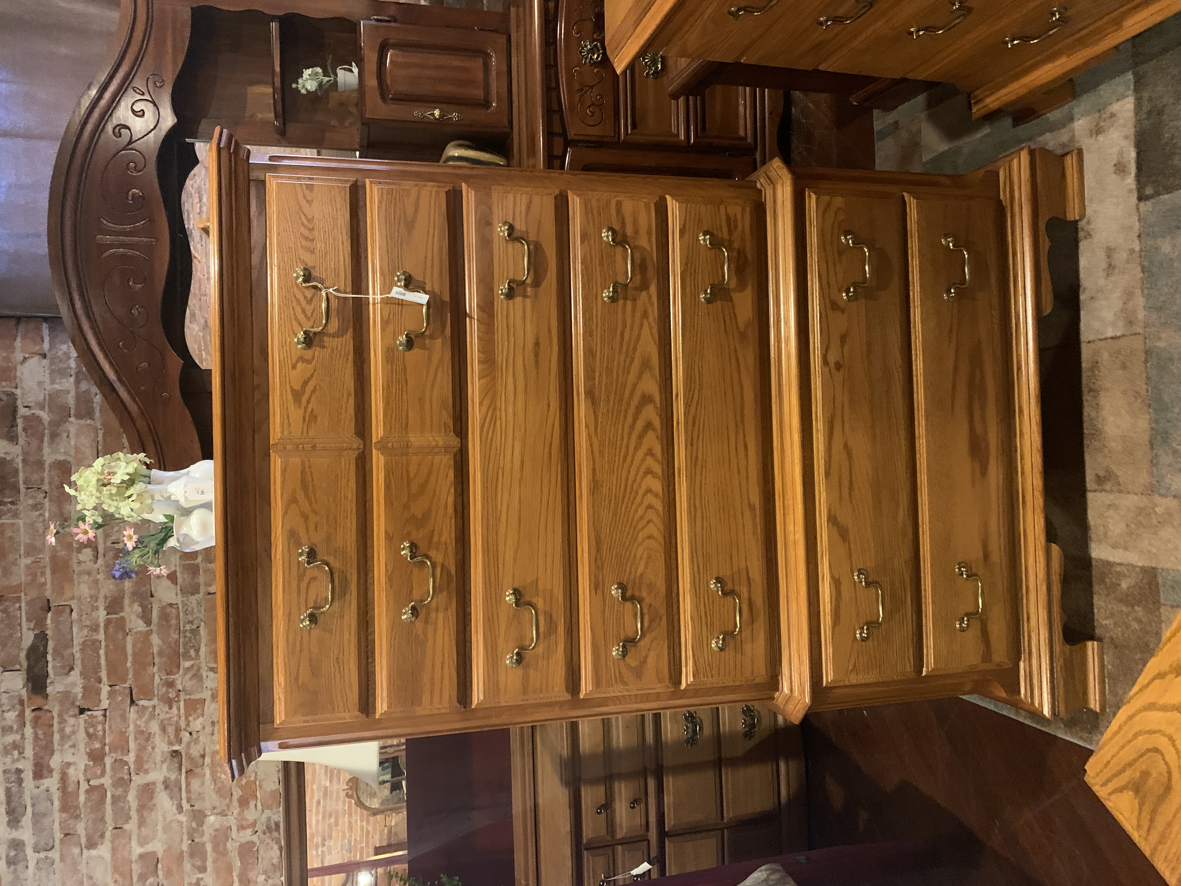 SUMTER OAK CHEST OF DRAWERS