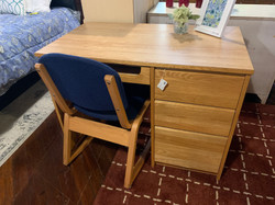 OAK STUDENT DESK WITH CHAIR