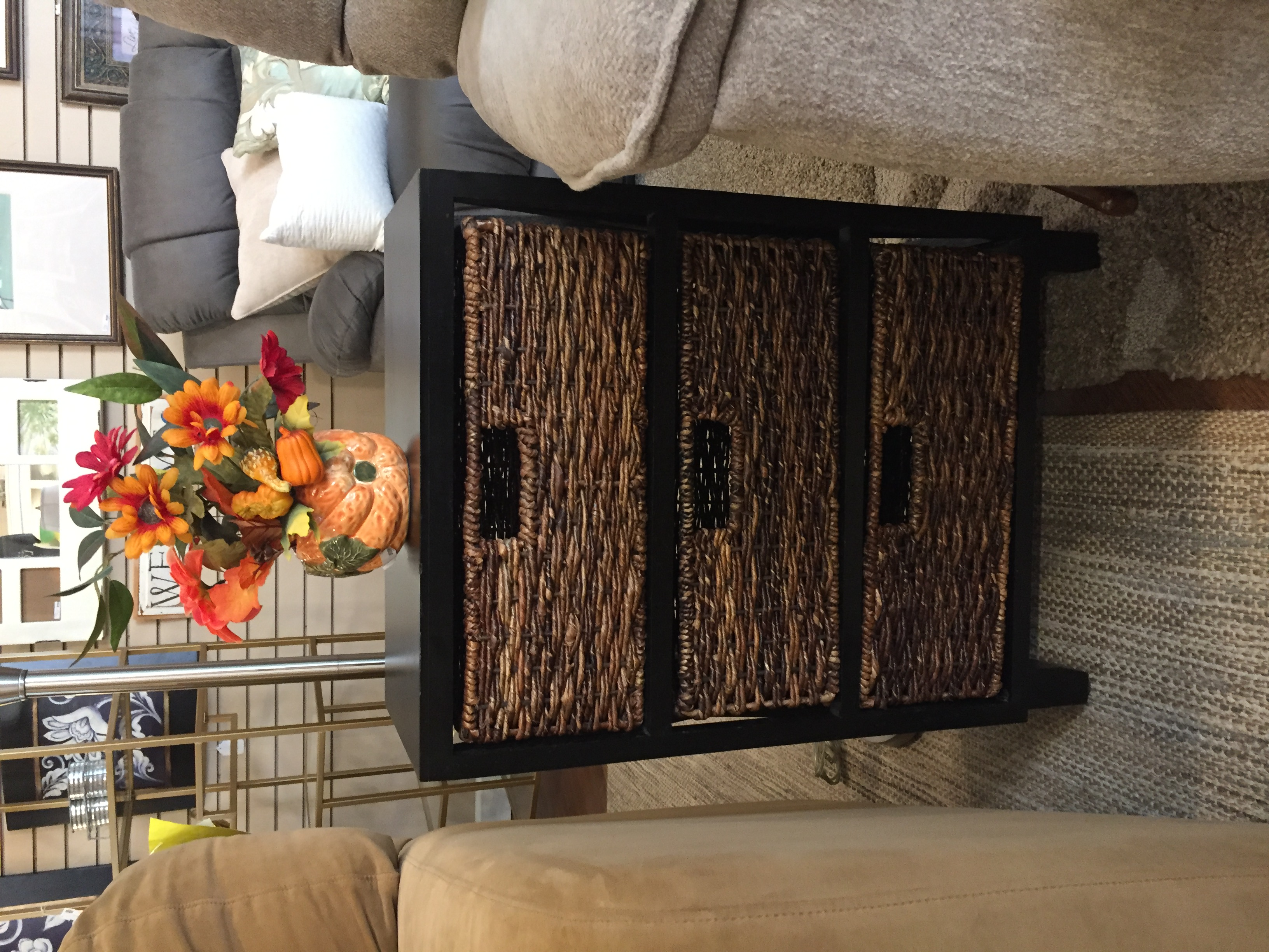 SMALL BLACK STAND WITH BASKETS