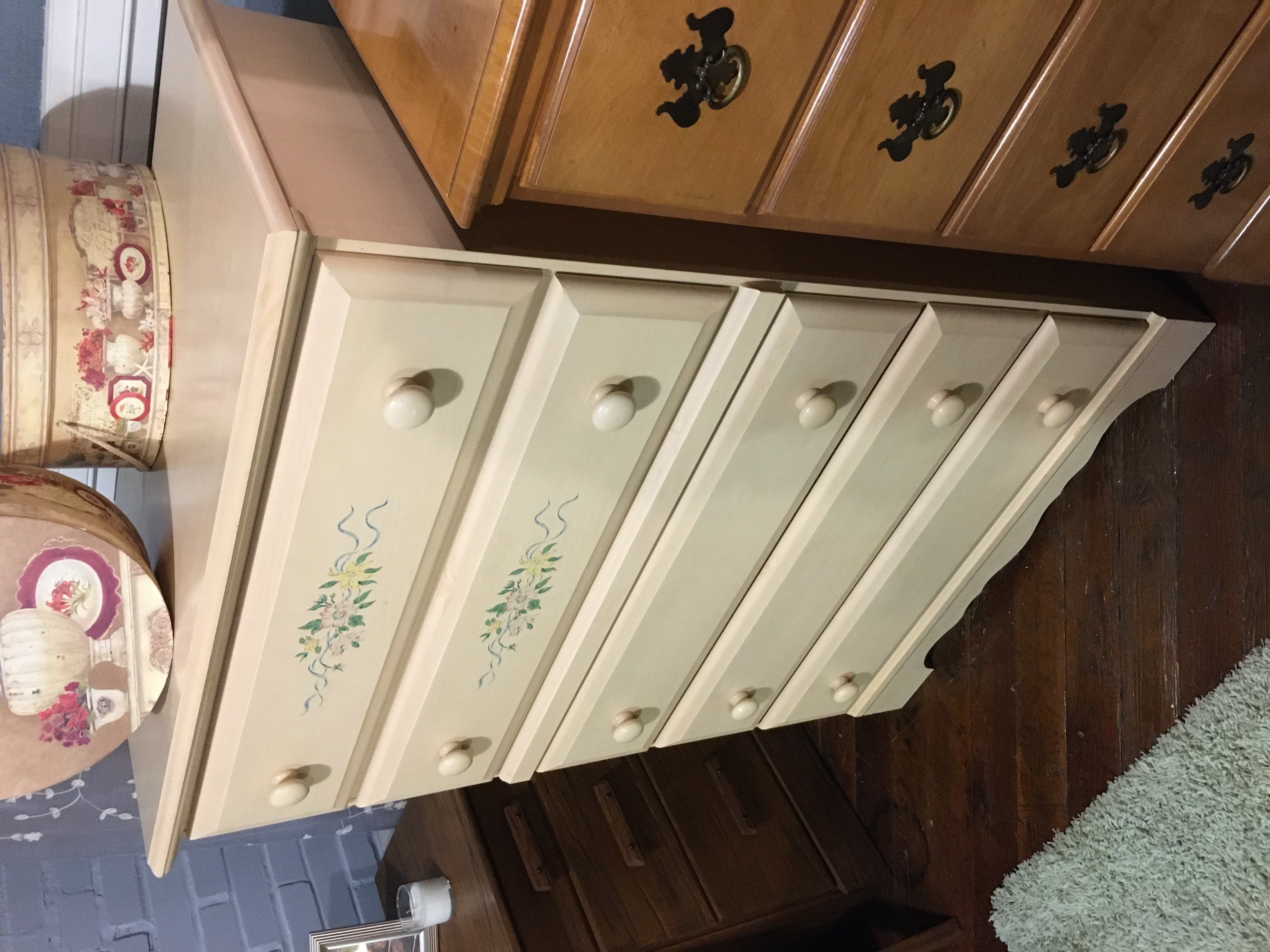 LIGHT FINISH CHEST OF DRAWERS