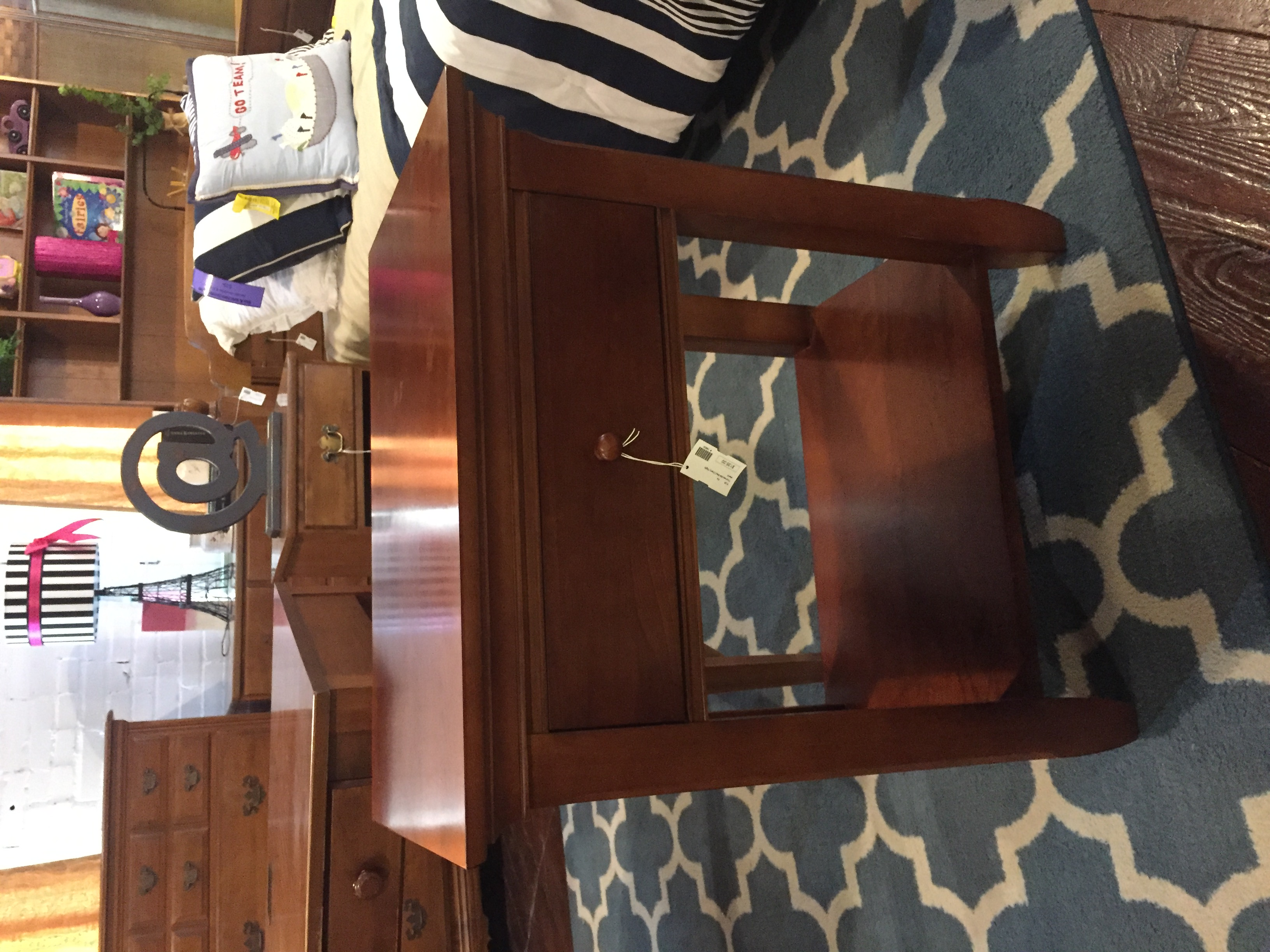 MED CHERRY NIGHTSTAND