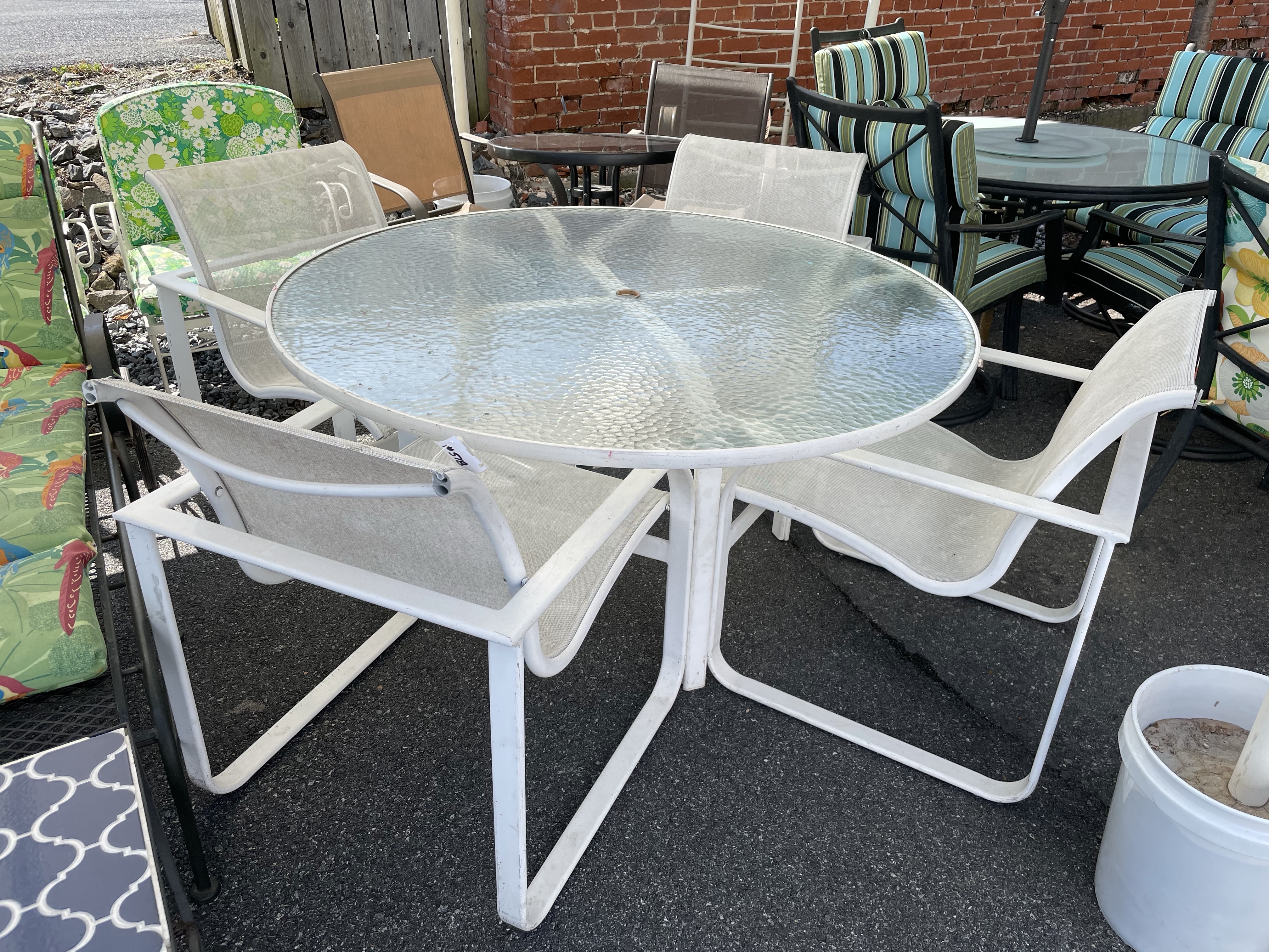 WHITE PATIO TABLE & 4 CHAIRS