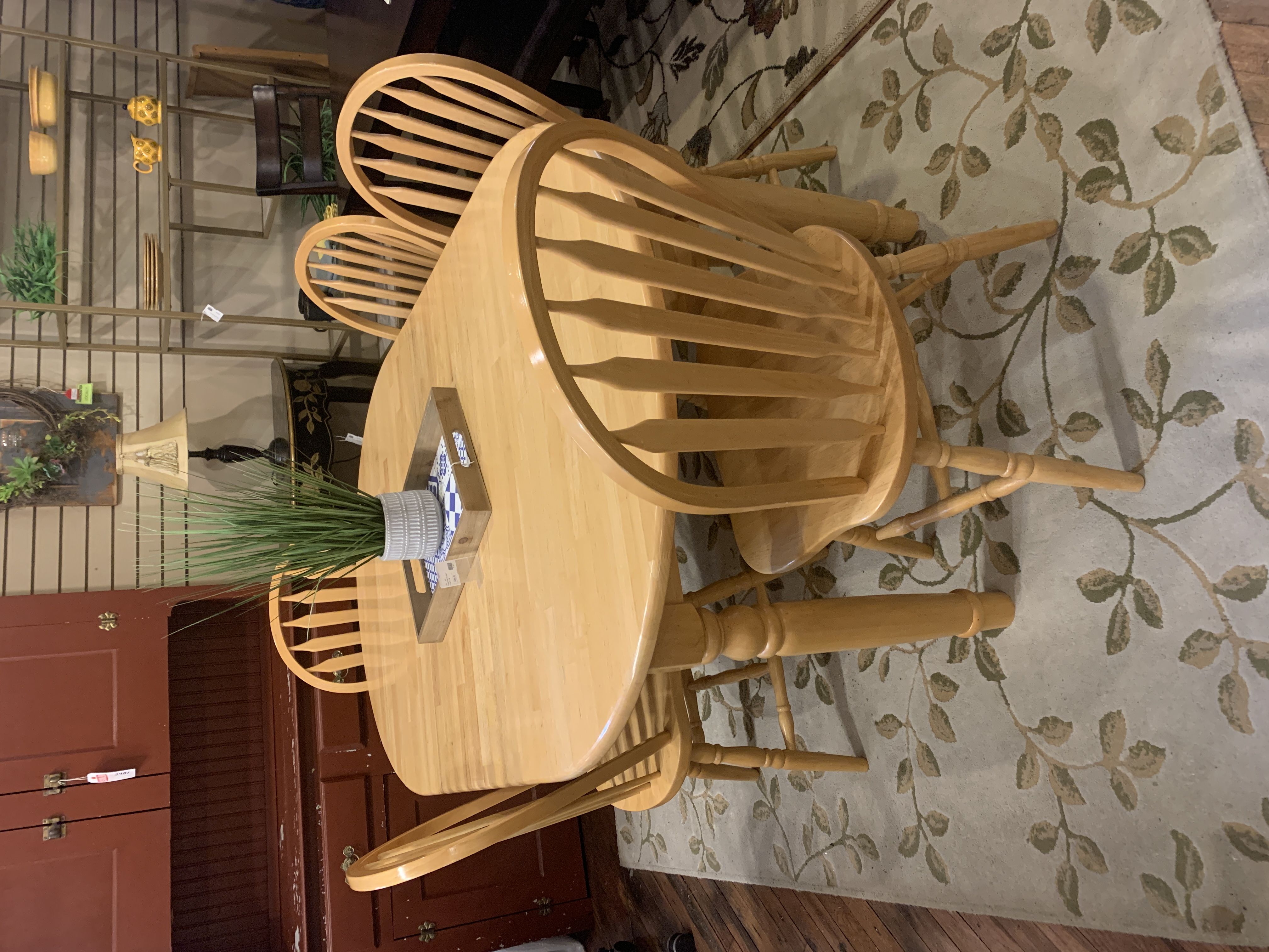BLONDE FINISH OVAL TABLE & 5 CHAIRS