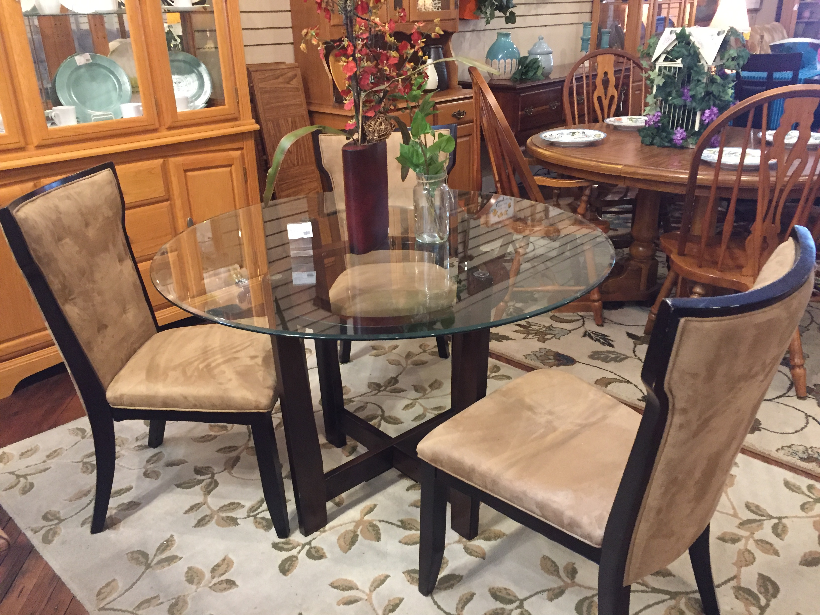ROUND GLASS TABLE & 3 CHAIRS