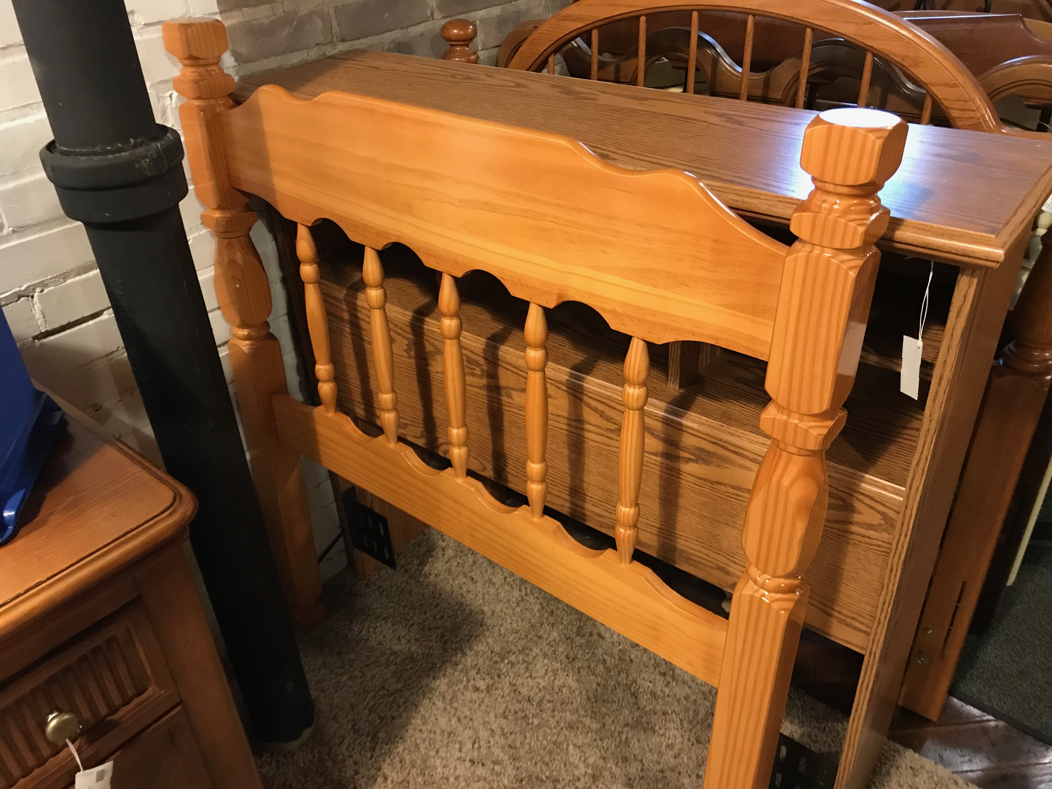 NATURAL PINE TWIN HEADBOARD