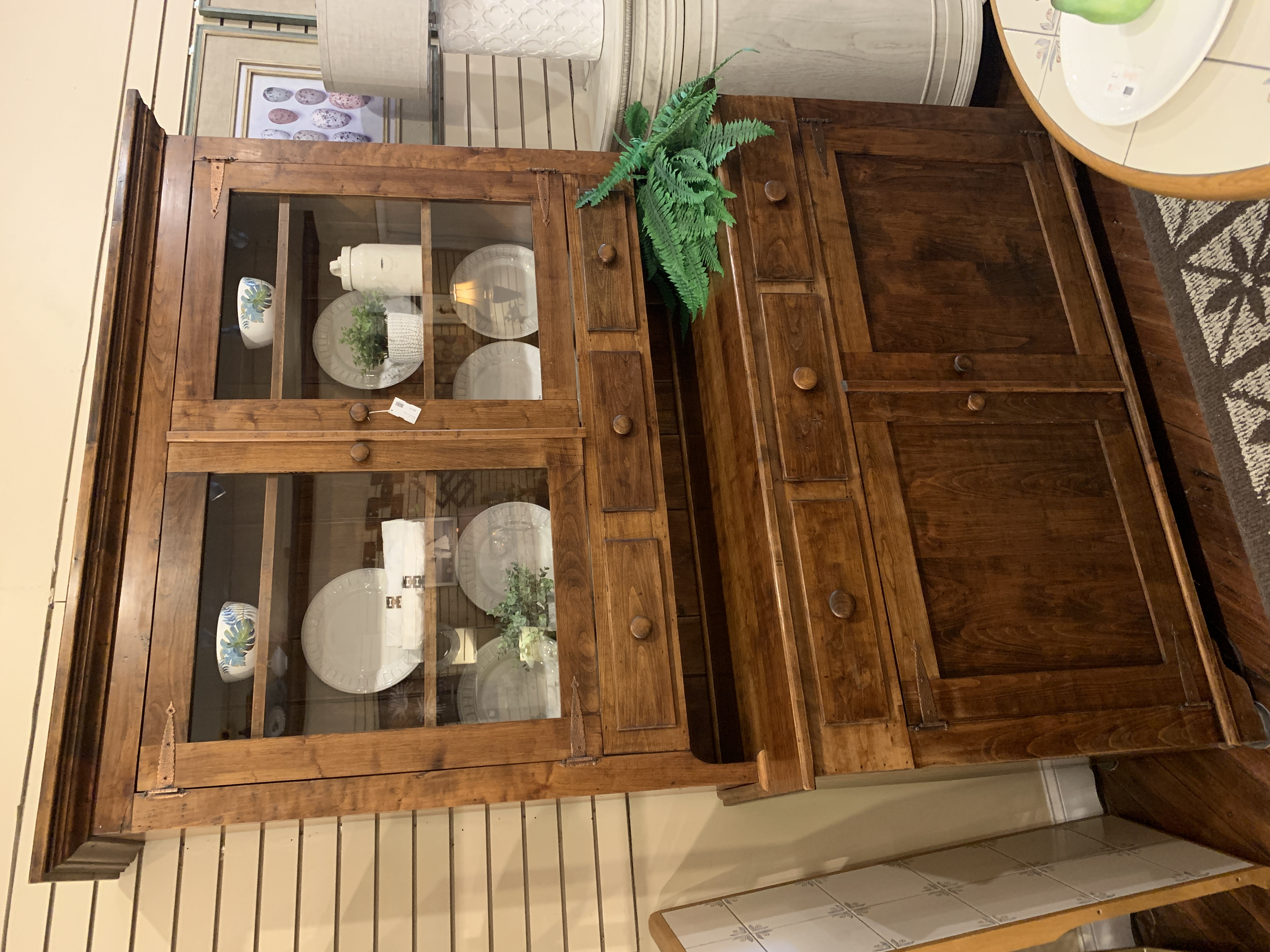 COUNTRY PINE 2 PC HUTCH