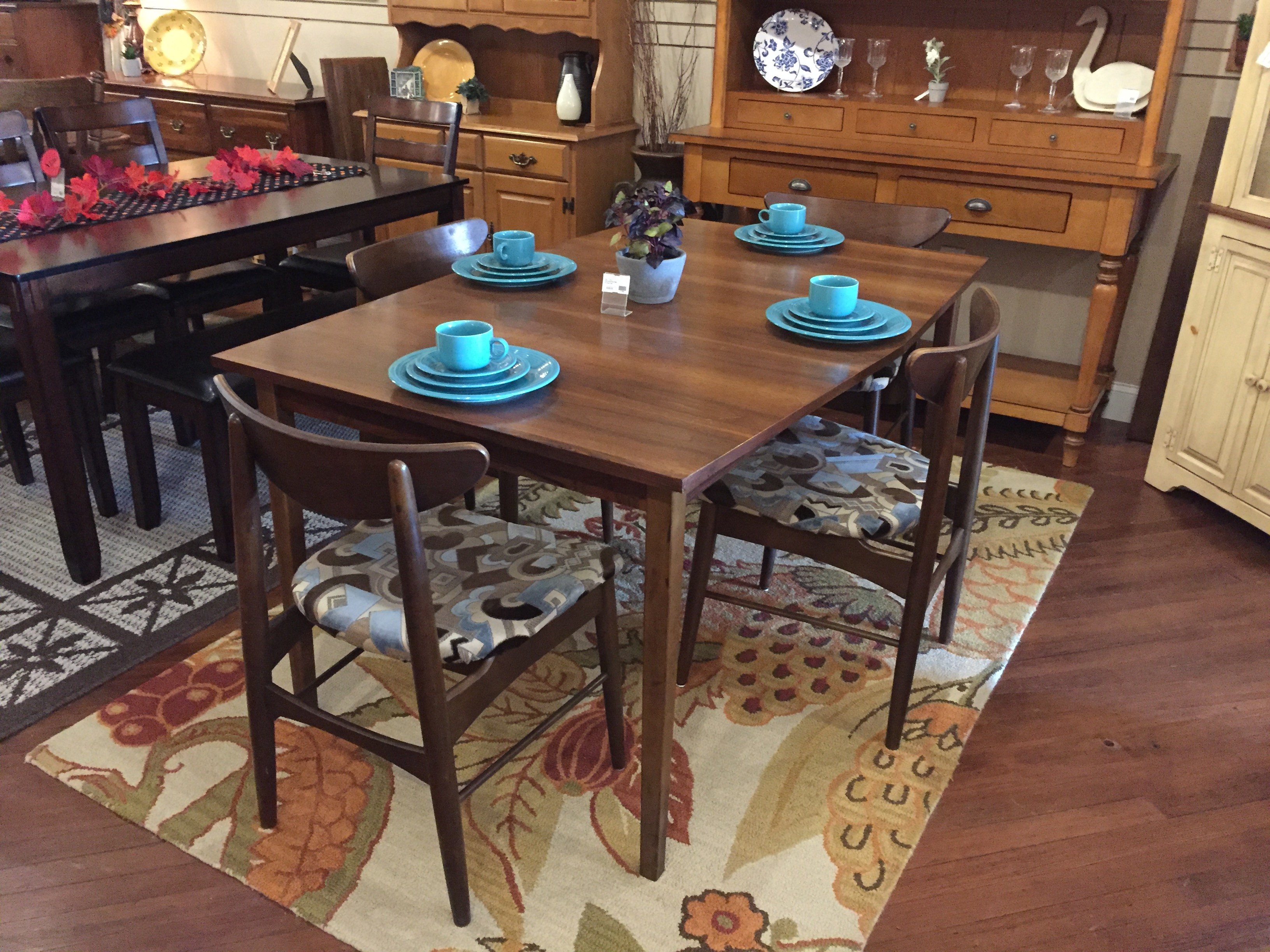 MCM WALNUT FINISH TABLE & 4 CHAIRS