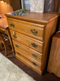 OAK FINISH 4 DRAWER CHEST OF DRAWERS