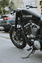 black-harley-davidson-motorcycle-2747793
