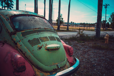 photography-of-green-and-pink-volkswagen