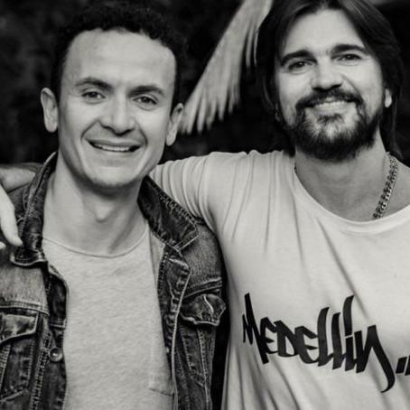 El regalo de Juanes y Fonseca a las mamás de sus seguidores