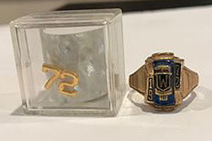 1972 Class Ring Female & Pin