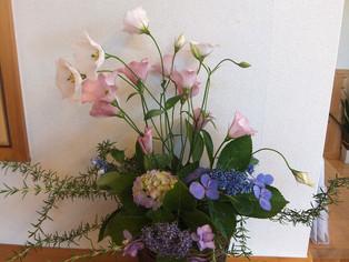 今日の花 アジサイ、トルコキキョウ、ローズマリー
