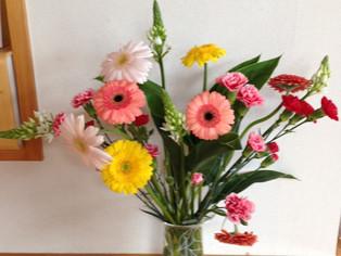 今日の花 オルニソガラム ガーベラ Spカーネーション ドラセナ