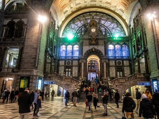 Marc Van Ranst odradza wyjazdu do Antwerpii