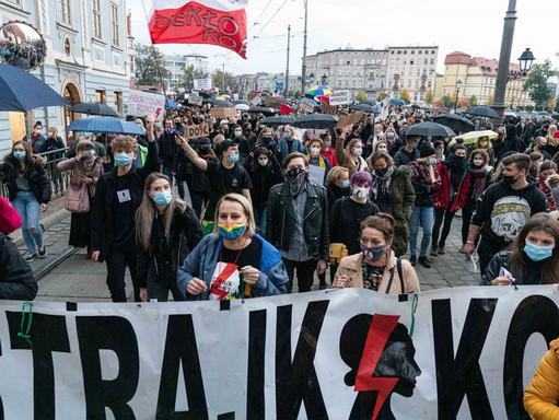 Polska: trzeci dzień demonstracji przeciwko zakazowi aborcji