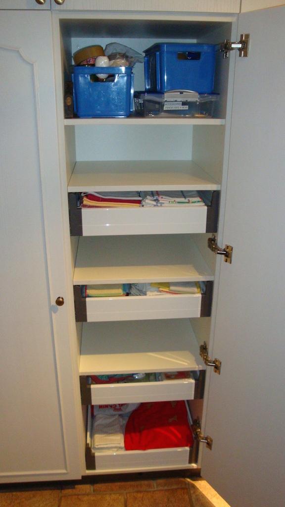Armoire tiroirs à l'anglaise