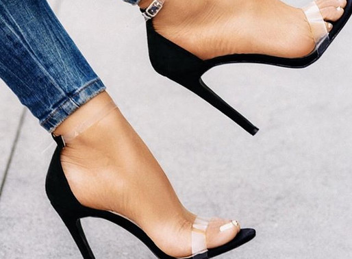 How To Wear Transparent Heels?