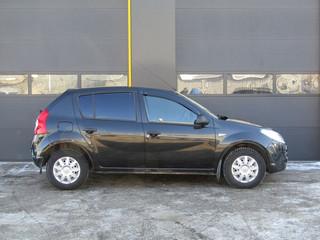 Renault Sandero 2012-2014 г. МКПП 900р/сутки