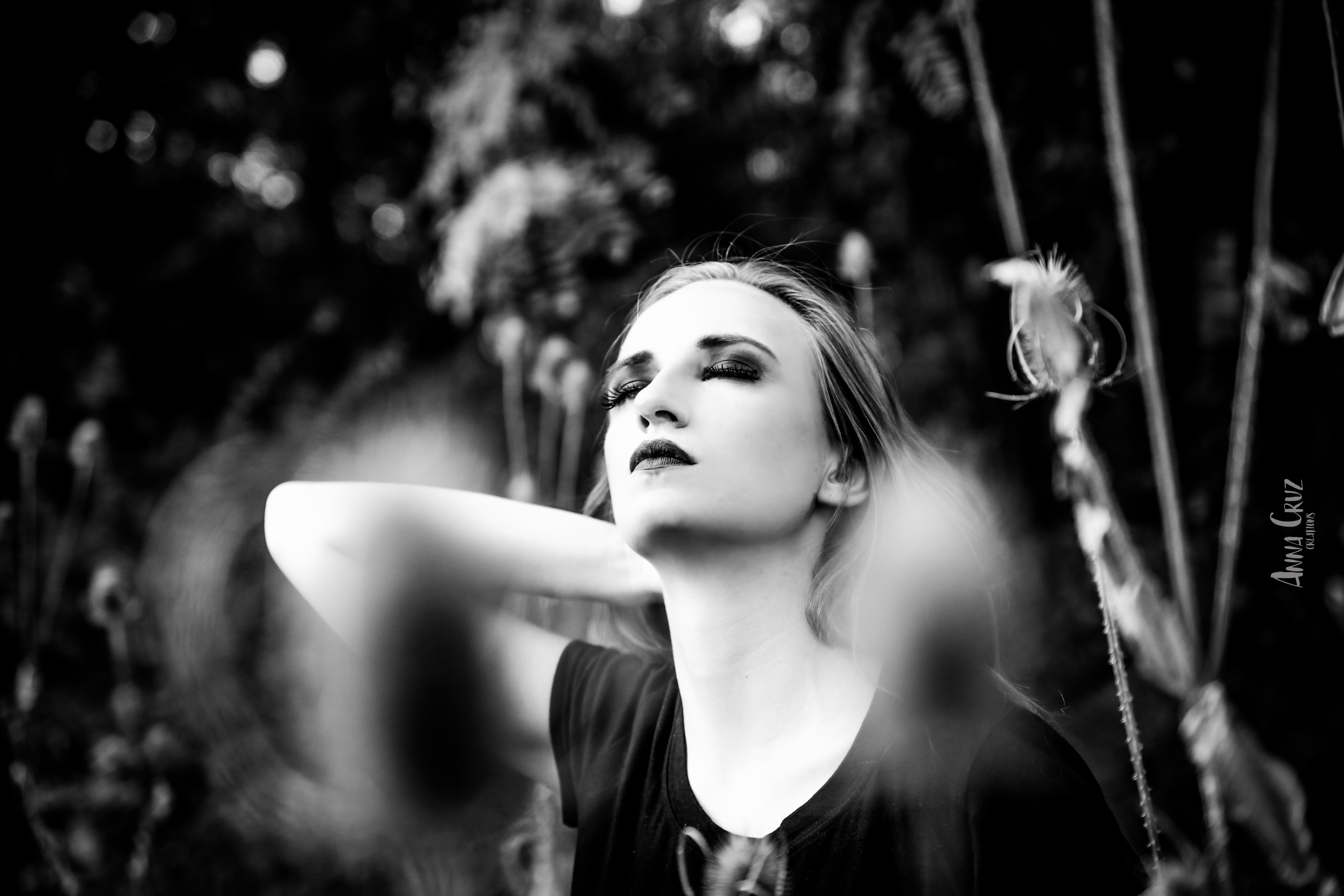 Portrait noir & blanc Anna Cruz